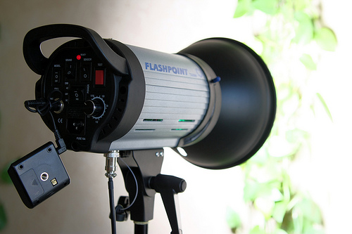 Flashpoint 320M AC/DC monolight