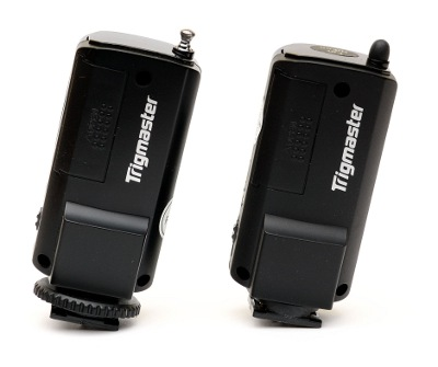 Aputure Trigmaster vs. Trigmaster 2.4G transmitters