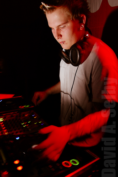 DJ Sparky, lit with a Nikon SB-600 via Pixel Componor