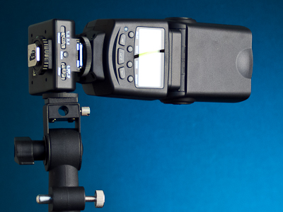 Viltrox JY-2410 mounted using tripod socket
