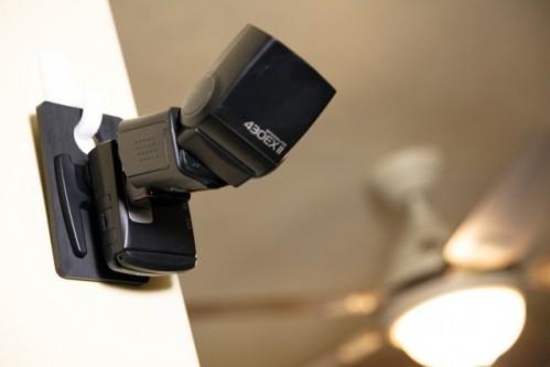 iDC Plastic Slipper holding a Canon 430EX II and PocketWizard FlexTT5