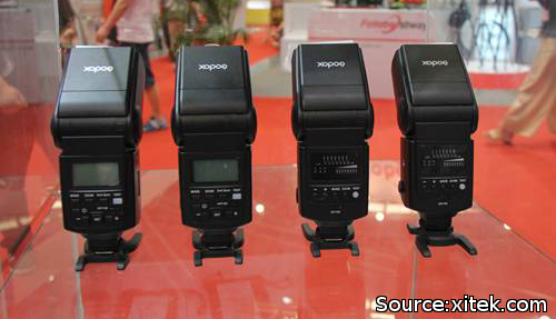 New Godox speedlites at P&I Shanghai 2012 (via xitek.com)