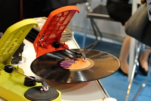 Modern style turntables