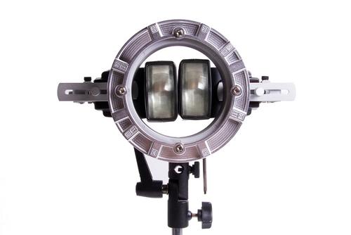 LumoPro LP739 with two LP160 speedlights