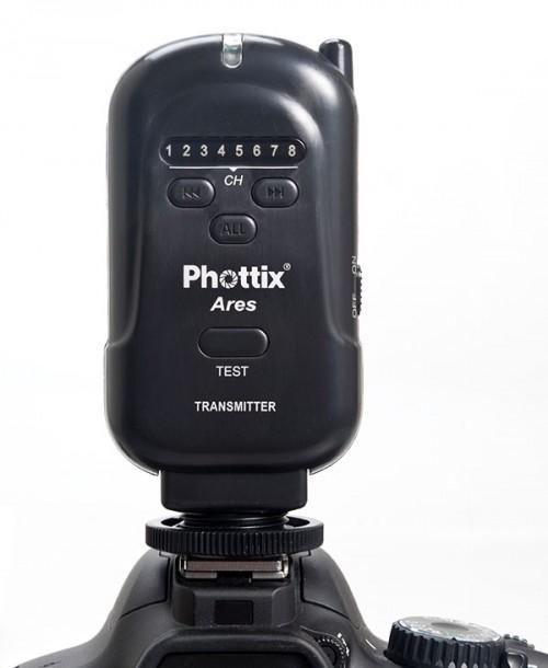 Phottix Ares transmitter in vertical position