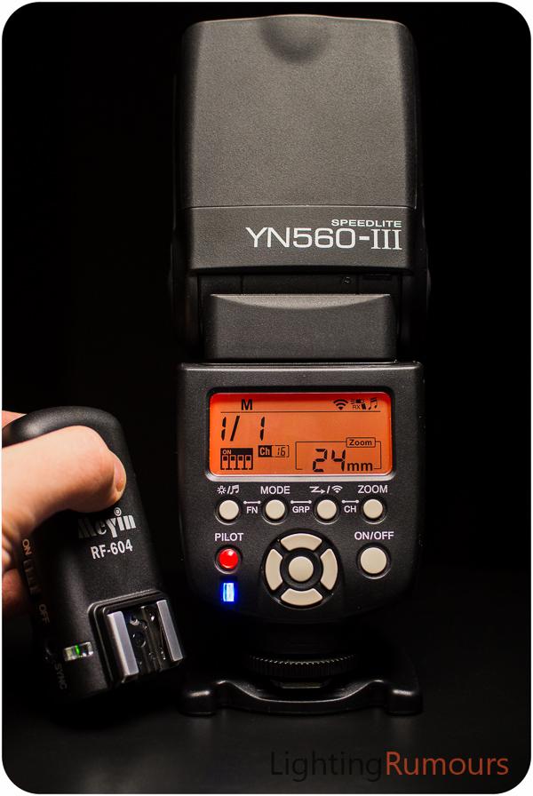 MeYin RF-604 triggering a Yongnuo Speedlite YN560-III
