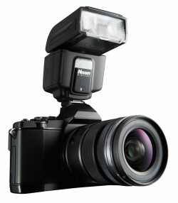Nissin i40 on Olympus Micro Four Thirds camera