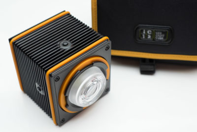 I also talked with IC12, the company behind the LED light cube, which currently has arrived at the various backers of the Indiegogo. New orders will directly ship as well.