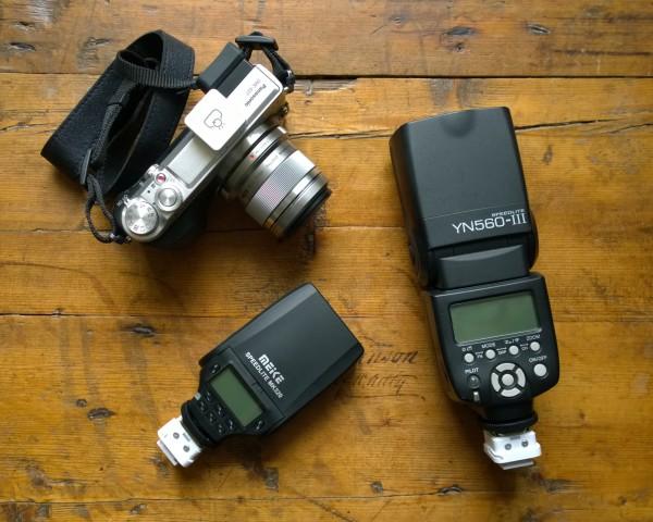 FlashQ with Panasonic GX7, MeiKe MK320 and Yongnuo YN560-III
