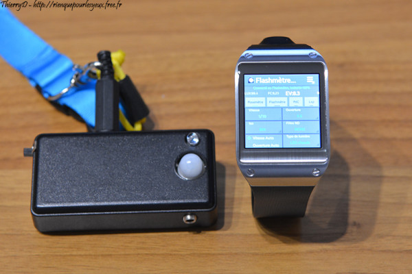 Smartwatch flash meter