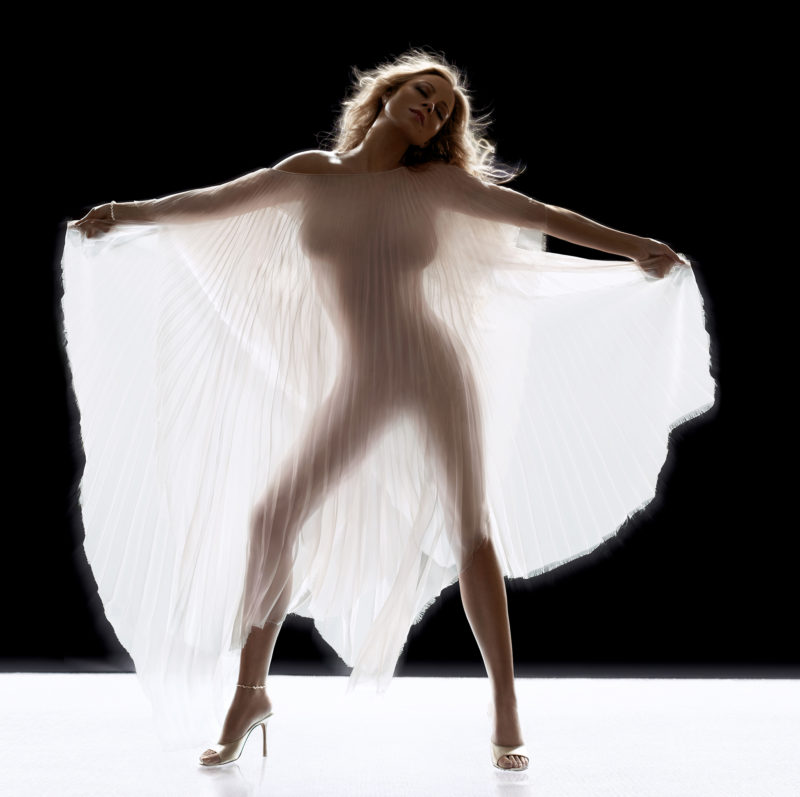 Mariah Carey album cover shoot, New York, 2005, with stacked Broncolor Lightbars 120.