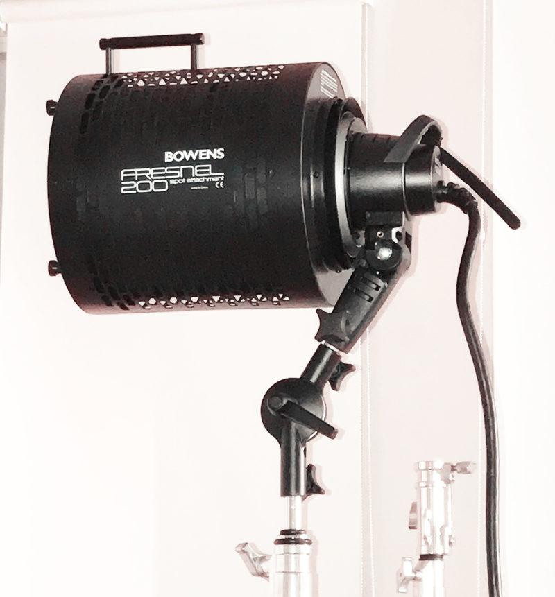 Bowens 200 fresnel with Godox H1200